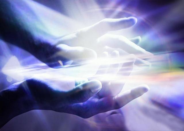 main don lumière magnétisme guérison pouvoir